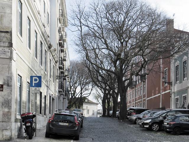 Carro estacionado no local correto em Lisboa